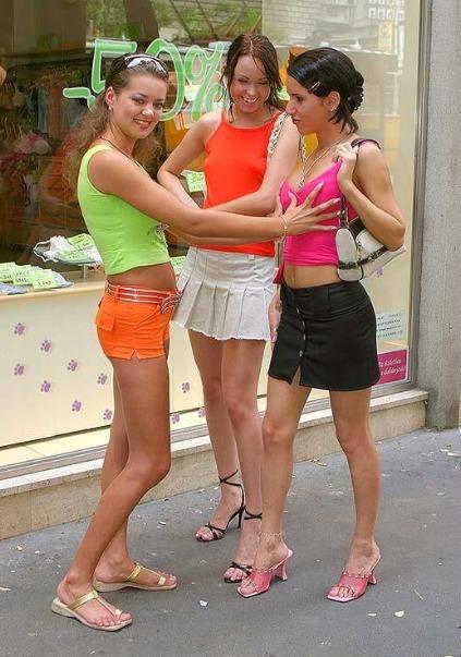 Geile Ungarinnen zu Nacktfotos überredet