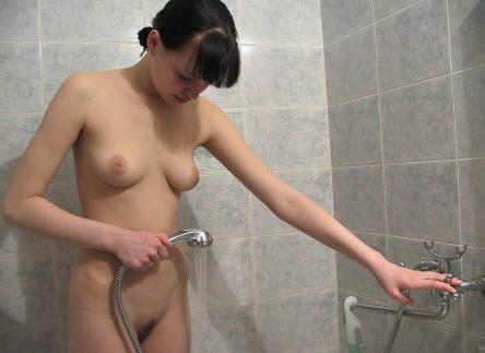 Nackte Frauen Duschen